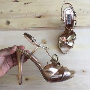 Badgley Mischka Gold Bow Heels